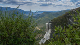 Hierve el Agua, petriefied waterfalls