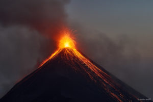 Volcan Fuego Eruption 2017-02-24/25